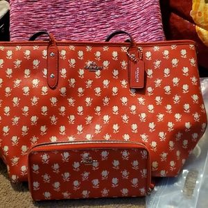Authentic Coach bag with the matching wallet.